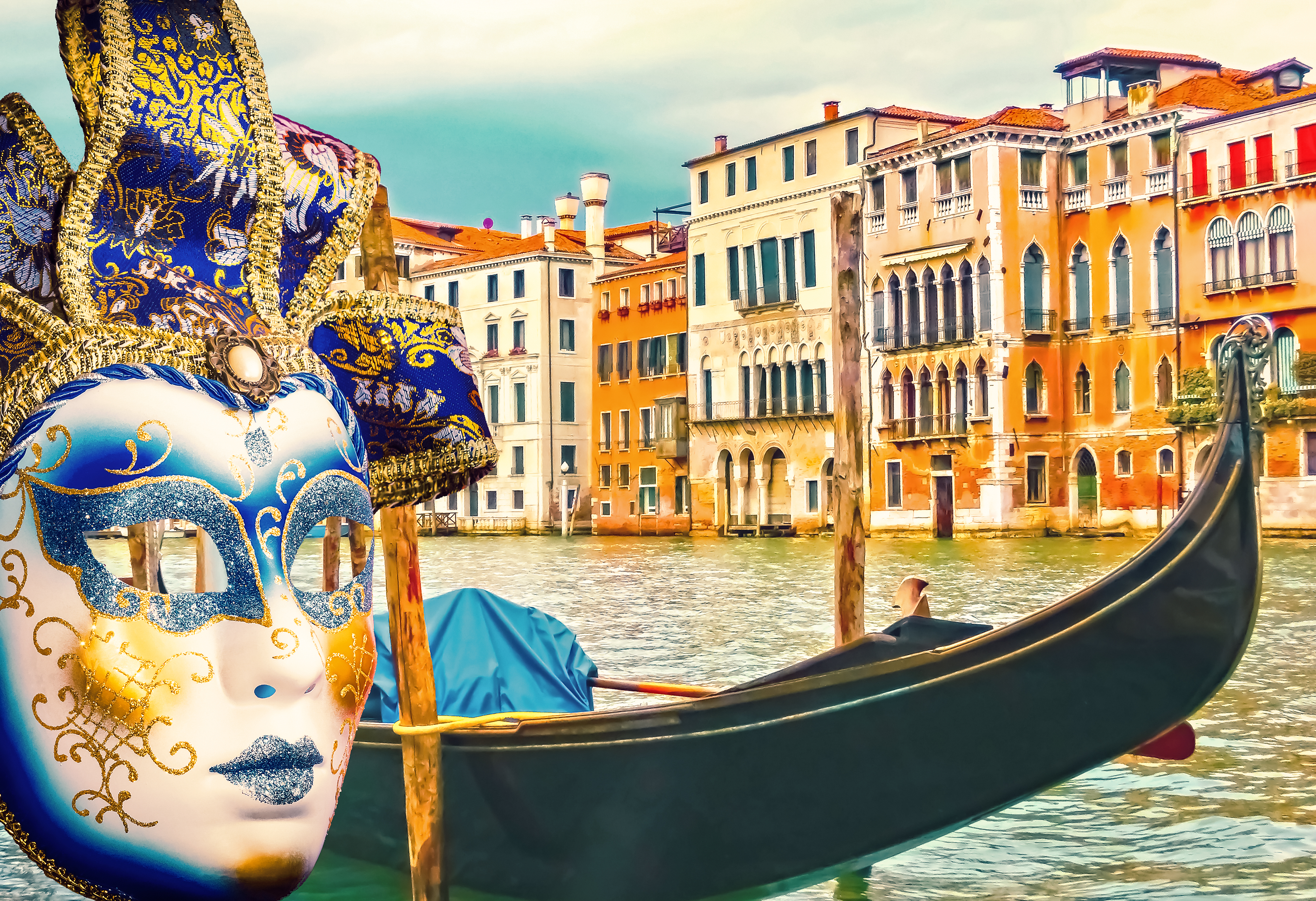 traditional venetian masks and venice